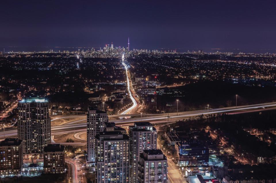 đường Yonge của Canada là con đường dài nhất thế giới